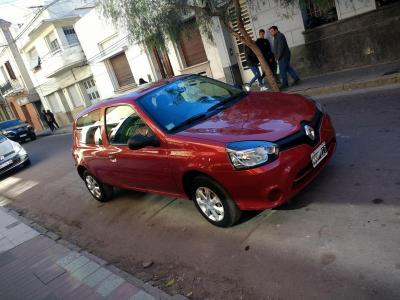 Autos Venta Renault Clio Mío 3P 1.2 Authentique Pack Look - 2013 - 33000 km .