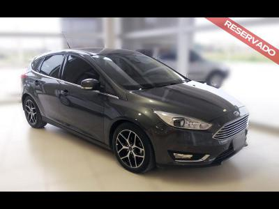 Autos Venta Ford FOCUS 5 PTAS TITANIUM 2.0 AT 2015